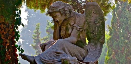 Una statua del cimitero
