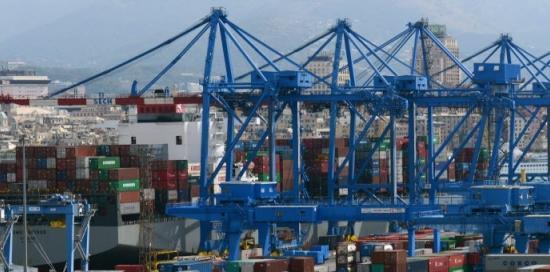 porto con container