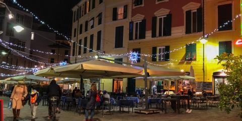 foto notturna piazza